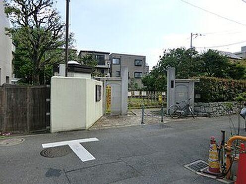 アパート-新宿区高田馬場3丁目 藤兵衛公園