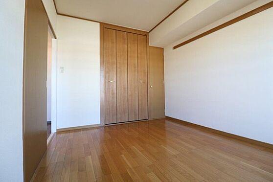 中古マンション-八王子市南大沢3丁目 収納力も豊富な北側洋室約6帖