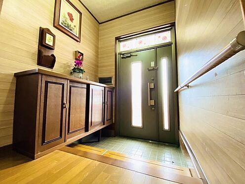 中古一戸建て-糟屋郡志免町田富2丁目 広々とした明るい玄関です!
