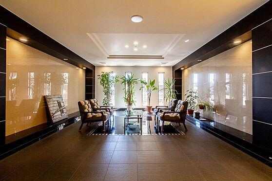 マンション(建物一部)-本庄市駅南1丁目 共用部のラウンジスペース。マンションの顔と言える共用部も質の高さを感じさせます。