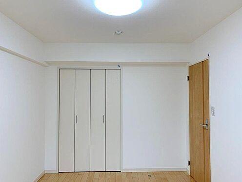 中古マンション-多摩市中沢1丁目 全寝室に収納がございます。