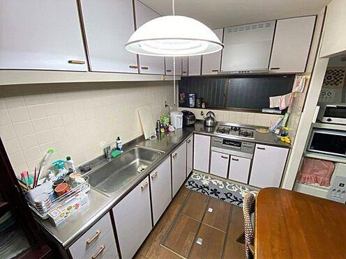 中古一戸建て-小牧市篠岡1丁目 広々としたL型キッチンです。