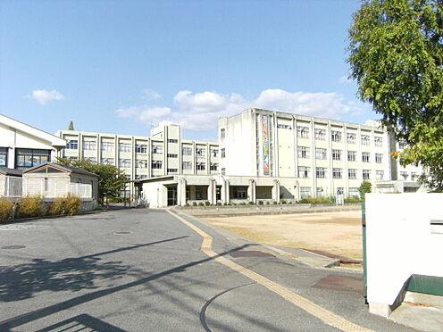 マンション(建物一部)-奈良市中山町西4丁目 登美ケ丘中学校まで約800m