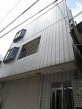 一棟マンション-大阪市生野区中川西2丁目 平成2年3月建築の鉄骨造3階建。建物253.03平米もあります。土地有効約31坪付で、土地間口も広々約8.29mもあります。南向きに付き、陽当り良好です。