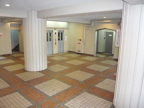 マンション(建物一部)-大阪市鶴見区今津中1丁目 明るくキレイなエントランス。