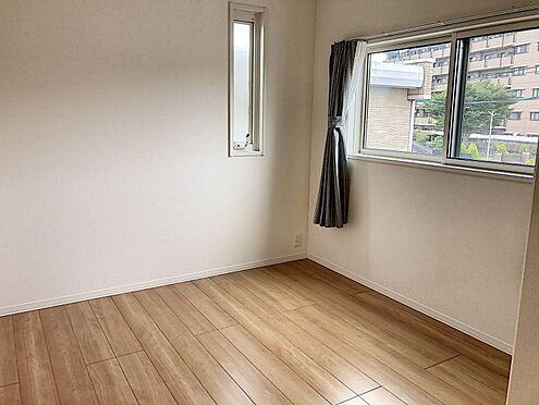 戸建賃貸-知多郡東浦町大字緒川字組田 2階洋室は3部屋とも6帖以上!窓も2枚あり通風良好です!