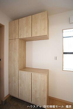 戸建賃貸-高市郡明日香村大字岡 大容量のシューズボックスは40足程度入ります。