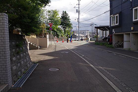 アパート-札幌市豊平区月寒西四条5丁目 前面道路