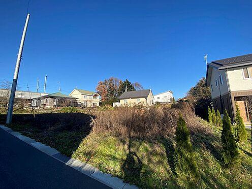土地-北佐久郡軽井沢町大字長倉 南側の隣接地とは高低差があり日当たりは良好