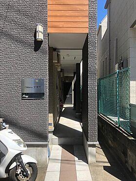 アパート-中野区弥生町6丁目 ■ エントランス ■コンパクトなエントランスになっております。