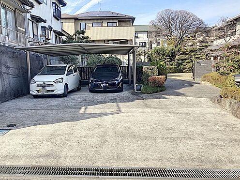 戸建賃貸-知多郡東浦町大字石浜字西平地 【嬉しいカーポート付き】車種により5台ほど駐車が可能。