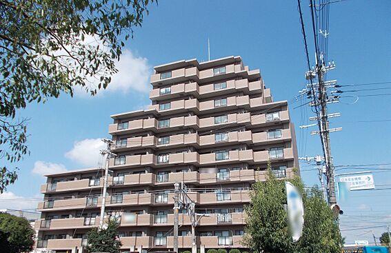 中古マンション-桜井市大字谷 近鉄・JR桜井駅まで徒歩4分!スーパー・ドラッグストア銀行など生活に必要な施設も徒歩10分以内にそろう大変便利な立地です。