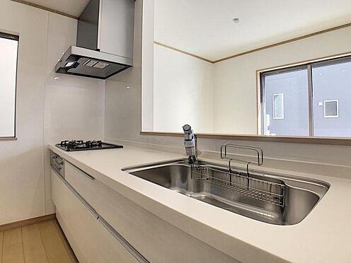 戸建賃貸-岡崎市野畑町字下河原 ダイニングからワークスペースを見渡せる、見せるキッチン。