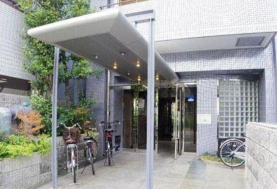 マンション(建物一部)-大阪市天王寺区玉造元町 植栽が植わったエントランス