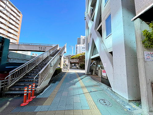 一棟マンション-江東区亀戸1丁目 京葉道路側歩道です。