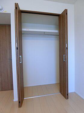 中古マンション-新潟市中央区南出来島2丁目 洋室約5.8帖のクロゼット