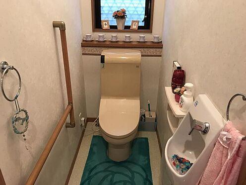 中古一戸建て-知多郡東浦町大字緒川字丸池台 手洗いや手すりもあり使い勝手の良いトイレ