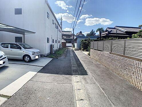 中古一戸建て-碧南市田尻町2丁目 食材や日用品の買い出しに便利なスーパー・コンビニ・薬局が徒歩圏内に揃う好立地。