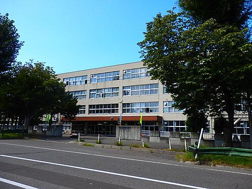 中古マンション-札幌市豊平区月寒東三条3丁目 札幌市立月寒中学校 約190m 徒歩3分