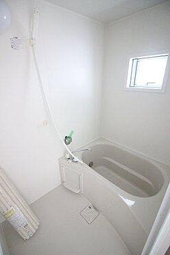 アパート-横須賀市富士見町2丁目 2Kのお部屋には新規ユニットバスを設置