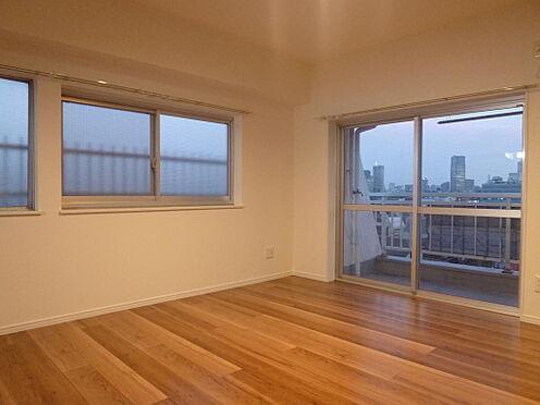 マンション(建物一部)-新宿区左門町 2014年リフォーム竣工写真です。6階部分東南角部屋の為、陽当たり良好です。