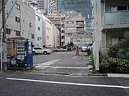 都営大江戸線 東新宿駅 徒歩4分