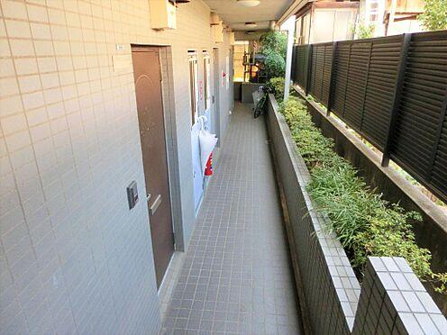 マンション(建物一部)-世田谷区八幡山1丁目 廊下です。
