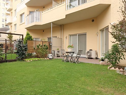 中古マンション-横浜市瀬谷区五貫目町 44.30平米の広々した専用庭付き住戸。ガーデニングや家庭菜園を楽しむことができます