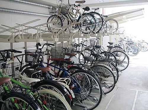 マンション(建物一部)-大阪市福島区玉川3丁目 たくさんの自転車を収納できる駐輪場があります。
