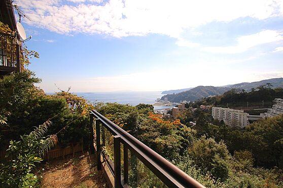 中古一戸建て-熱海市伊豆山 1階からの眺望です。見る人を魅了する壮大な景色をお楽しみ頂けます。