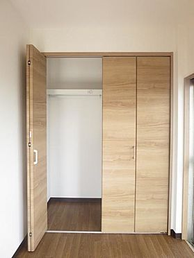 マンション(建物全部)-松戸市松飛台 スッキリと収納出来て、お部屋はいつも広々