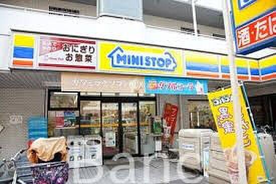 中古マンション-墨田区向島3丁目 ミニストップ業平橋店 徒歩4分。 260m