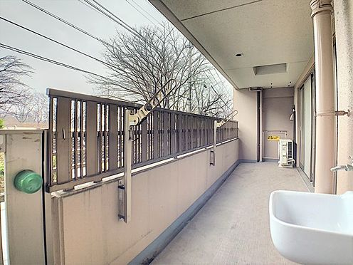 中古マンション-名古屋市守山区城土町 水栓があるバルコニー。夏はお子様のプールを出して楽しめそうですね♪