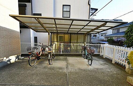 区分マンション-神戸市東灘区甲南町4丁目 屋根付き駐輪場