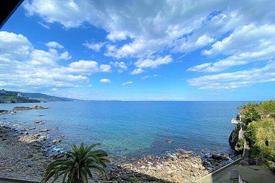 リゾートマンション-熱海市上多賀 眺望:相模湾・真鶴半島・熱海の街並みを一望。壮大なロケーションです。
