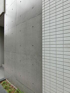 中古マンション-新宿区榎町 建物外壁