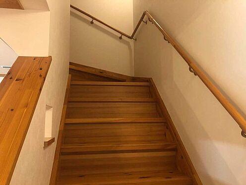 中古一戸建て-名古屋市瑞穂区仁所町1丁目 二階へと続く階段