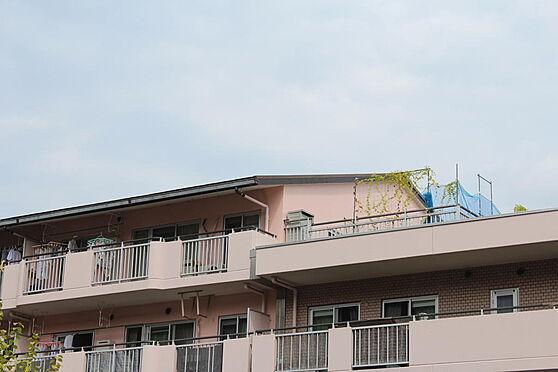 マンション(建物一部)-八王子市久保山町1丁目 5階部分、最上階のお部屋です。玄関ドアやサッシを新規取替え工事実施済みです。