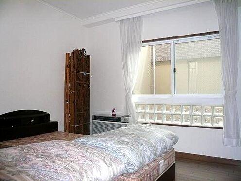 中古マンション-田方郡函南町平井 こちらは洋室。寝室としてご利用されていらっしゃいます。