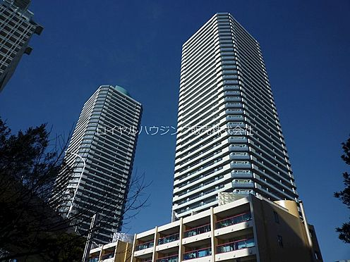 中古マンション-横浜市神奈川区栄町 42階建てのツインタワーマンション