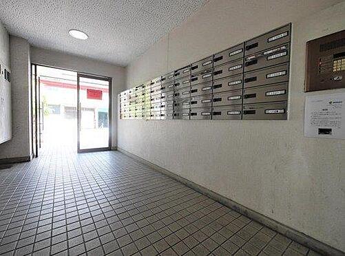 一棟マンション-北九州市小倉北区下到津4丁目 管理が行き届いたマンションです。共用部からは住みやすさが確認できます。