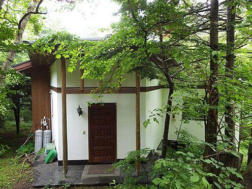 戸建賃貸-北佐久郡軽井沢町大字軽井沢 深緑の中に趣のある別荘です。
