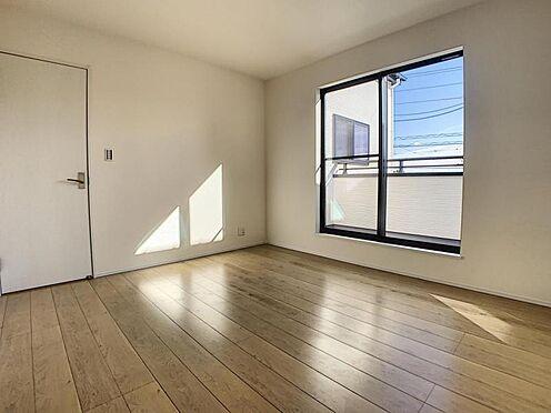 新築一戸建て-豊田市畝部東町川田 光が十分入るように計算された窓