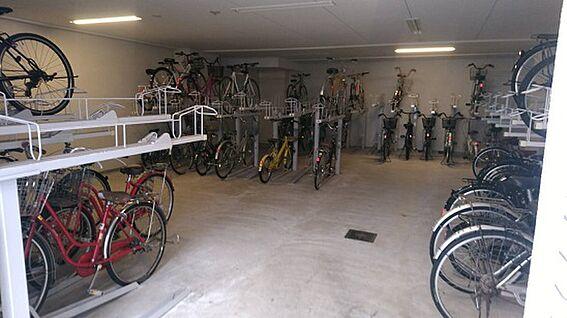 マンション(建物一部)-大阪市淀川区十三本町1丁目 屋内駐輪スペース