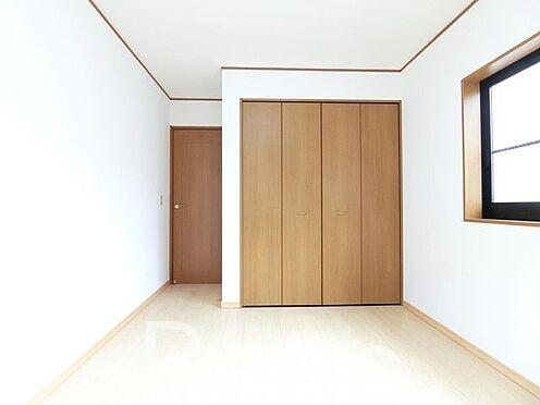中古一戸建て-足立区佐野2丁目 たっぷり収納できるクローゼット付きのお部屋です。