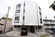 平成29年築造の居住用収益物件満室賃貸中1LDK8戸(約30〜41平米)・駐車場7台(軽専用)