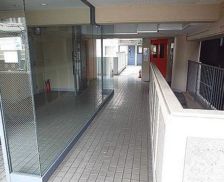 マンション(建物一部)-神戸市長田区松野通1丁目 清潔に保たれたエントランス