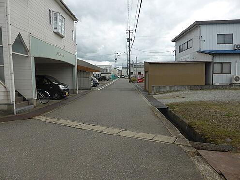 アパート-野々市市扇が丘 前面道路