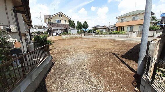 土地-東松山市大字高坂 土地内南側から北側を見て