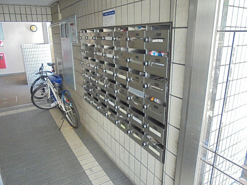 マンション(建物一部)-神戸市東灘区深江南町2丁目 キレイで清潔感のあるエントランス。